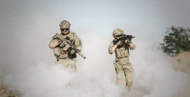 Prismáticos militares